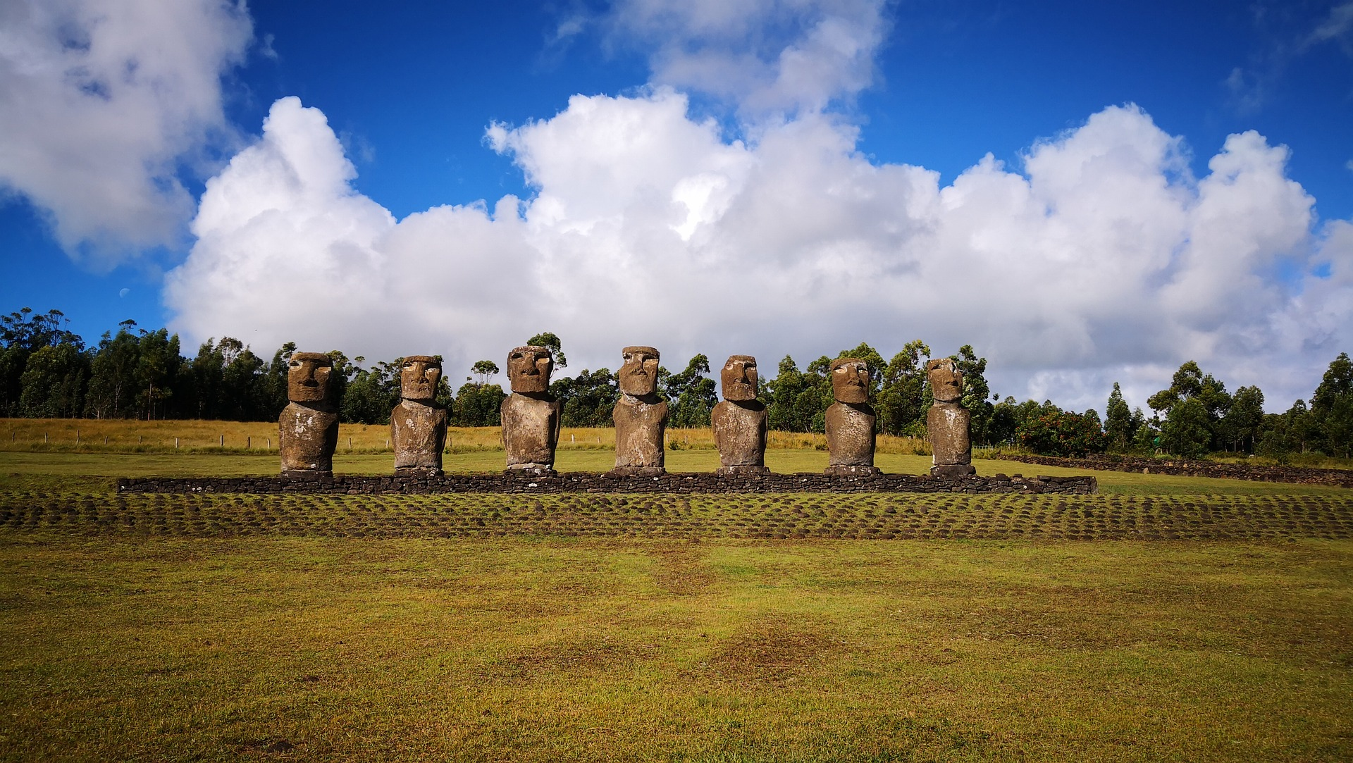 easter-island-3417457_1920_copie.jpg
